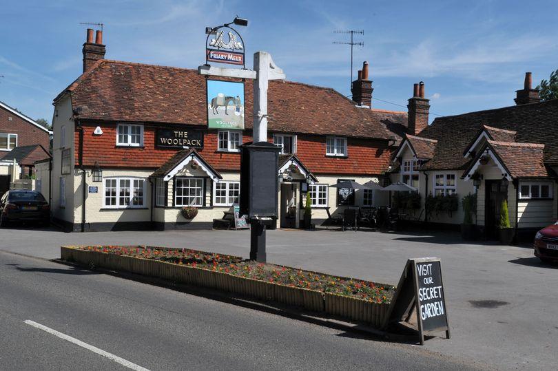 South Central Surrey Pub Night Club Meet The Woolpack Elstead GU8 6HD @ Elstead | England | United Kingdom